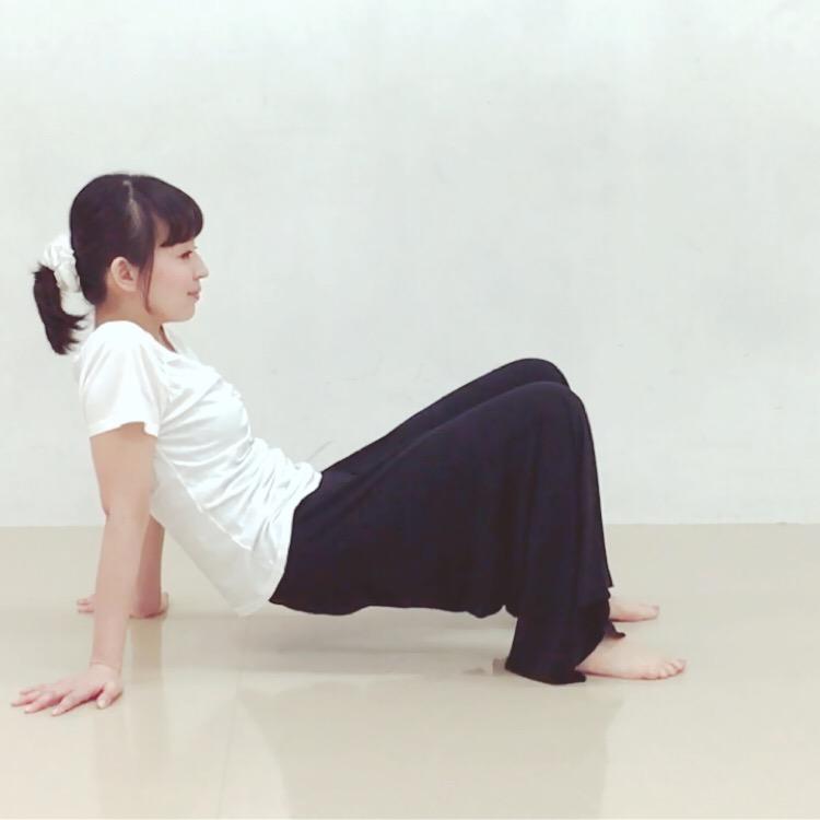 二の腕腹筋エクササイズ1
