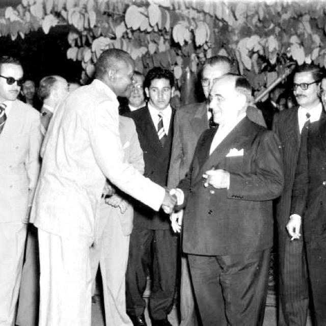 ブラジル大統領に謁見するカポエイラヘジョナウの創始者